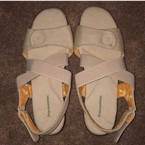 Grasshoppers Cream Seaport Sling Sandals 9W